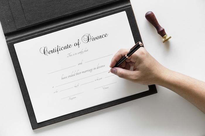 The best online divorce reviews 2018 top services legal forms you could find yourself in a situation where you need to hire an attorney to modify your forms this can be extremely expensive well into the four figure solutioingenieria Images